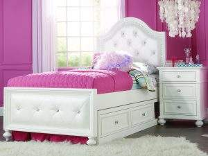 Madison tufted bed